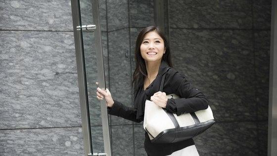◆代表アシスタント◆女性が多数活躍している職場!貴方の気付きが会社の成長に大きく貢献できる、そんなことを体感できる特別なポジションです◆「もっと面白いこと」を一緒に生み出しませんか?