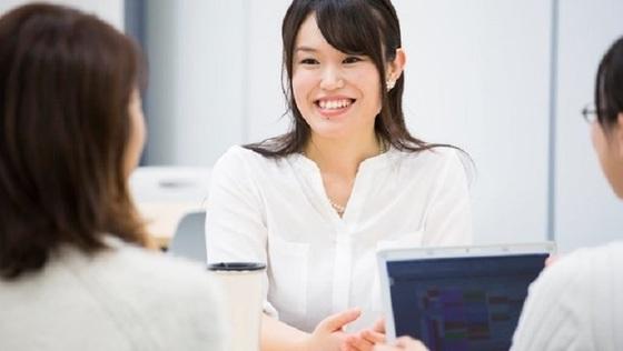 日本を、働く女性が世界一輝く国へ。女性のキャリア構築を本気で考える『カーブス』の【人材開発】ヘルスケア事業で、社会課題の解決を!《現場から経営陣まで、女性が活躍中!/土日休み/充実した研修で成長をサポート》