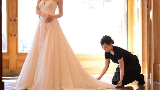 """◆表参道店◆花嫁様ひとりひとりに""""運命の一着""""をご提案する【ドレスコーディネーター職】~女性ごころをくすぐる世界を一緒に創りませんか?~"""