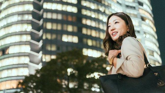 リレーション営業 ★未経験スタートで月給27万!!毎月コスメ手当支給!!