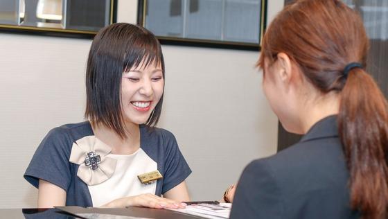 湘南美容クリニックで美容のスペシャリスト【受付カウンセラー】募集。お客様を笑顔にする誇り高いお仕事です。《未経験者歓迎・福利厚生も充実!》