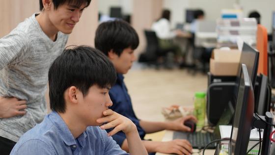 【Webアプリケーションエンジニア】常駐型・Webサービスの改善に携わる!/月13時間程度/在宅・時短OK