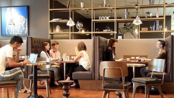 東京・名古屋・福岡で募集!オーストラリアの企業、未経験歓迎!【新卒・第二新卒】全員がバイリンガルの環境でビジネス英語を磨きながらセクレタリーを目指すポジションです。平均残業10~20時間以内、充実したトレーニング、キャリアアップ!