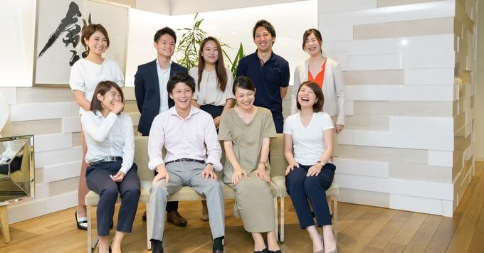 【高校生と企業を繋ぐキャリアコンサルタント職】(大阪勤務)時短勤務も可能!高校生の未来を明るくするお仕事☆彡キャリアコンサルタント有資格者歓迎♬大阪って。みんなノリが良いから働きやすいです。By大阪社員Mさん