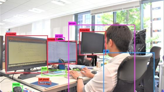 【100%自社】機械学習を用いた営業支援プロダクトのサーバーサイドエンジニア/残業少なめ《リーダークラス》