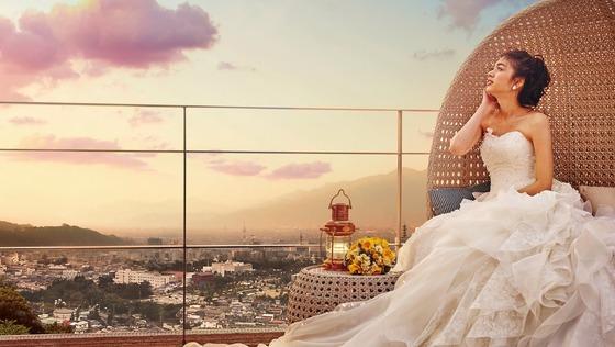長野市街を一望するゲストハウスで、記憶に残る結婚式を創り上げる【ウェディングプランナー】《未経験可/中途入社5割/長野にて限定1名急募!》