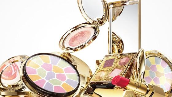 化粧品メーカーのPR担当(アシスタント含む)/年間休日125日/残業5ー20時間