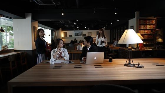 """""""日本最大規模の会員数""""を誇るコワーキングスペースを運営する企業で【接客教育担当】を募集!"""