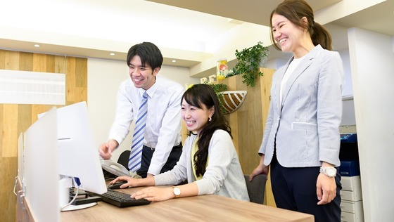 <時短/週24h~/一部リモート勤務OK!> 自社サイト制作・運営を中心とした【WEBデザイナー】即戦力を募集中/残業ほぼ0/女性社長は2人子育て中!風通しのよい社風です
